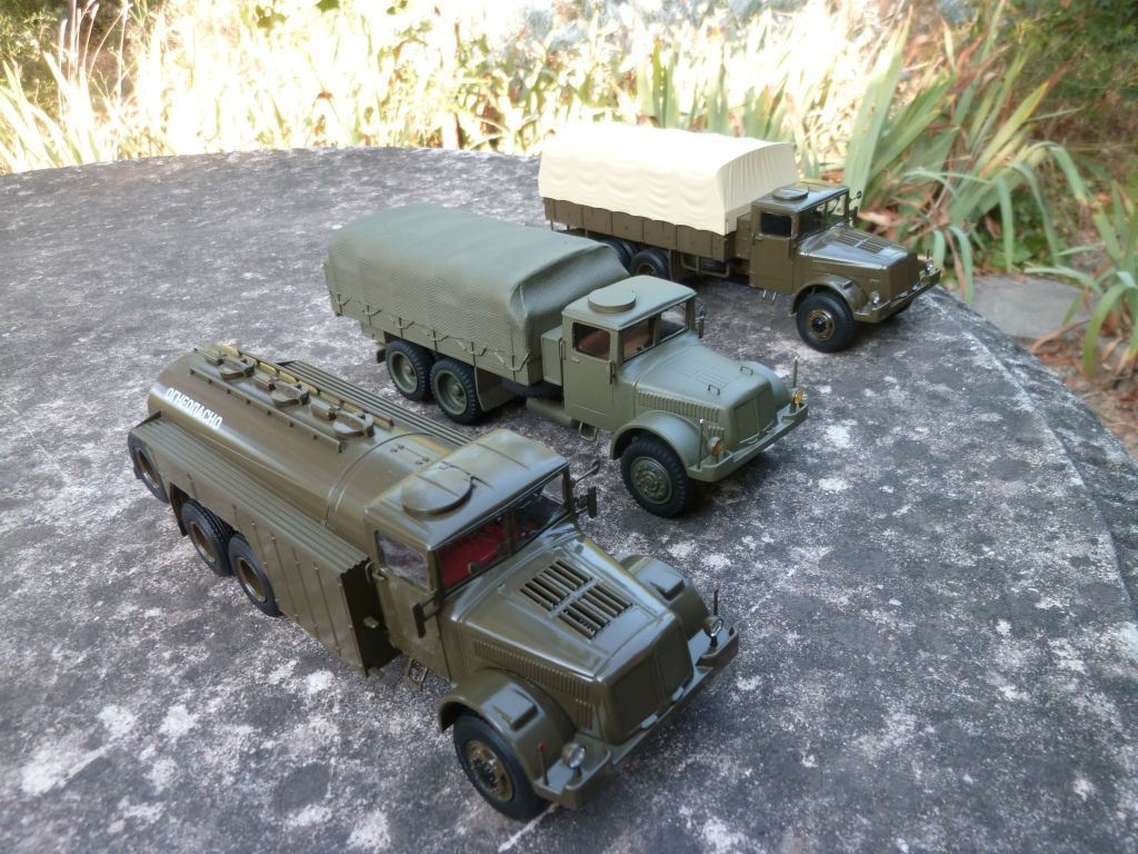 Tatra 111  (Fox Toys -1/43 - par Hervé C.)
