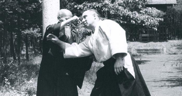 Osenseï Ueshiba Moriheï, Aïkido. En haut avec André Nocquet, en bas au Noma dojo