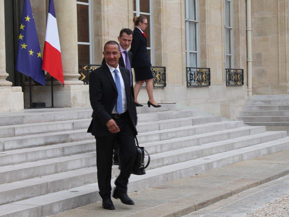 Alexandre, la veille à l'Elysée (pas de presse admise à Matignon mardi 27 juin)