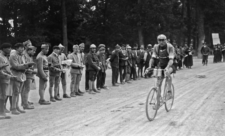 Francis Pélissier participant au Tour de France cycliste - Source Gallica BnF