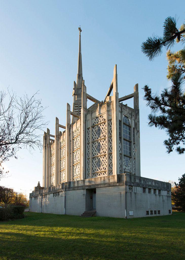 La résistible ascension de Benoît H Rendez-vous était donné dans l'église d'Elisabethville prêtée par un curé sympathisant. (60)