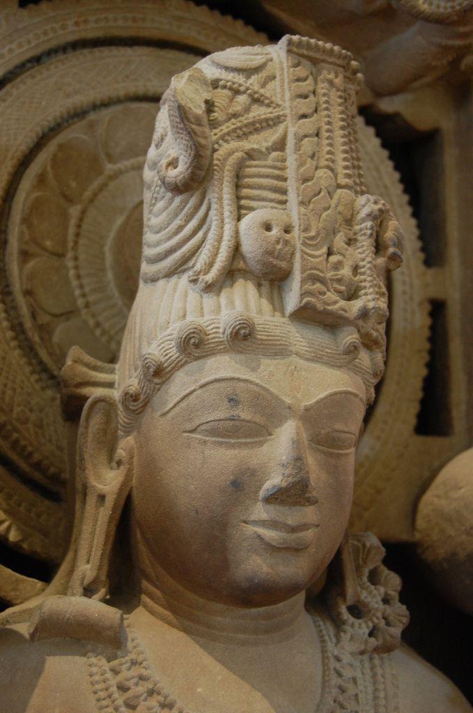 Harihara Shiva Vishnu - Photos: Lankaart (c)