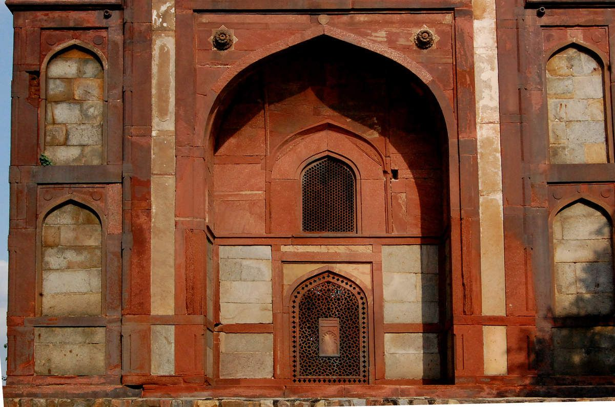 New-Delhi - Barber's Tomb - Nai – Ka – Gumbad - Photos: Lankaart (c)