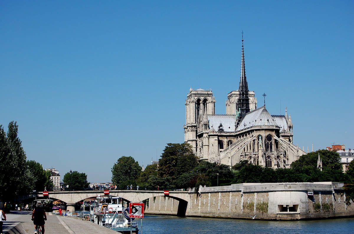 Notre-Dame de Paris - Avant et après Avril 2019 et l'incendie - Photos: lankaart (c)