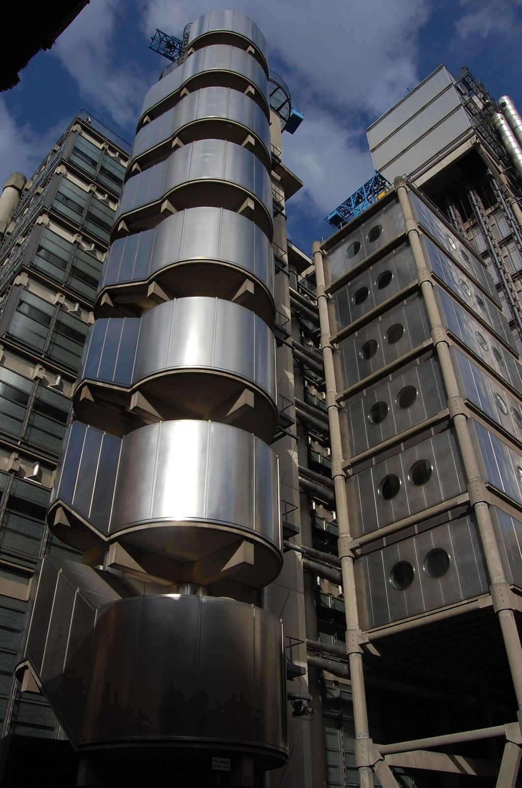 Richard Rogers - la LLoyds Building Londres - Photos: Lankaart (c)