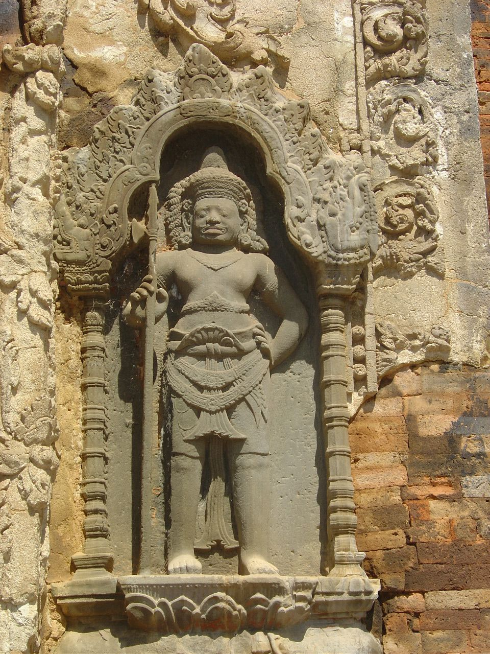 Angkor - Roluos - Le temple de Preah Ko - Photos: Lankaart (c)
