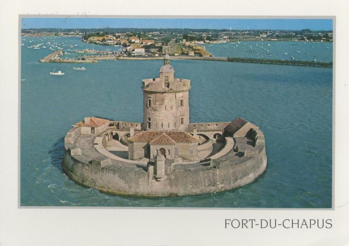 Fort Louvois ou Chapus vu du ciel carte postale de ma collection