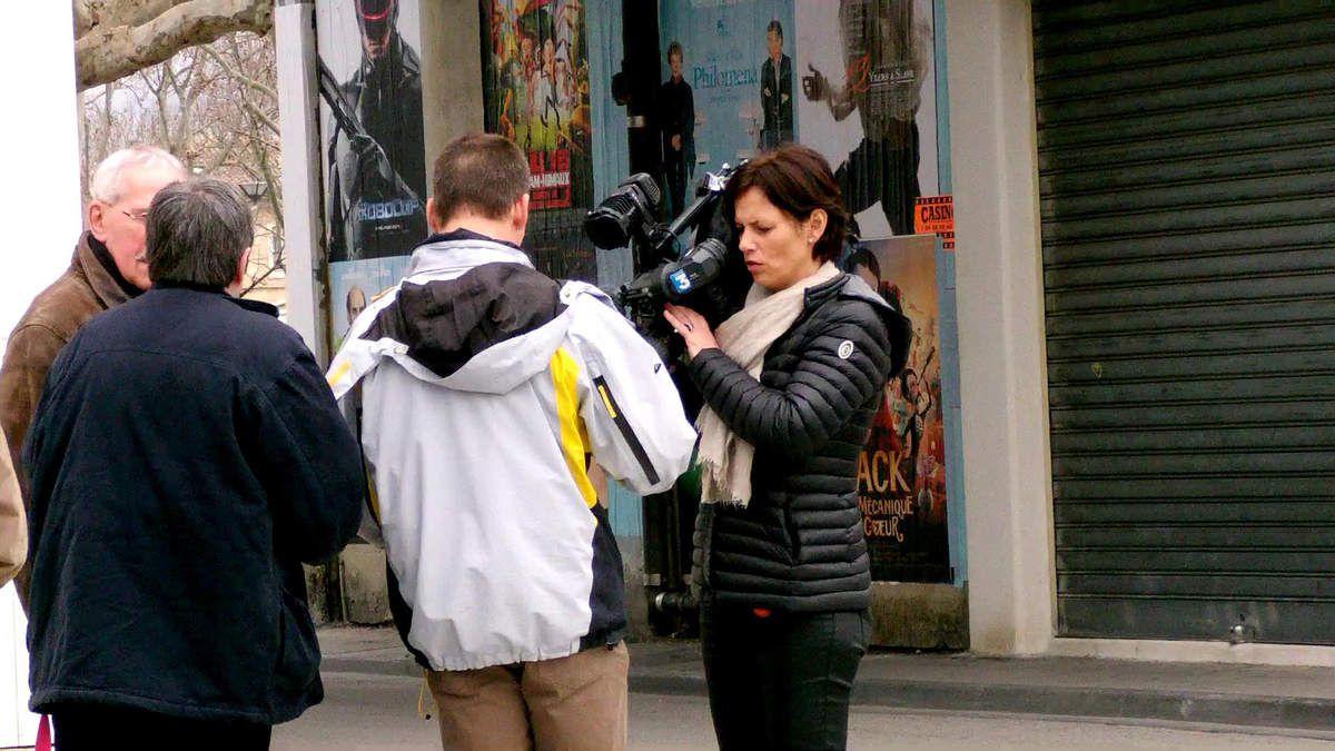 Les équipes de France 3 ont été vues récemment devant l'ancien Intermarché du Centre Ville faisant des interviews.