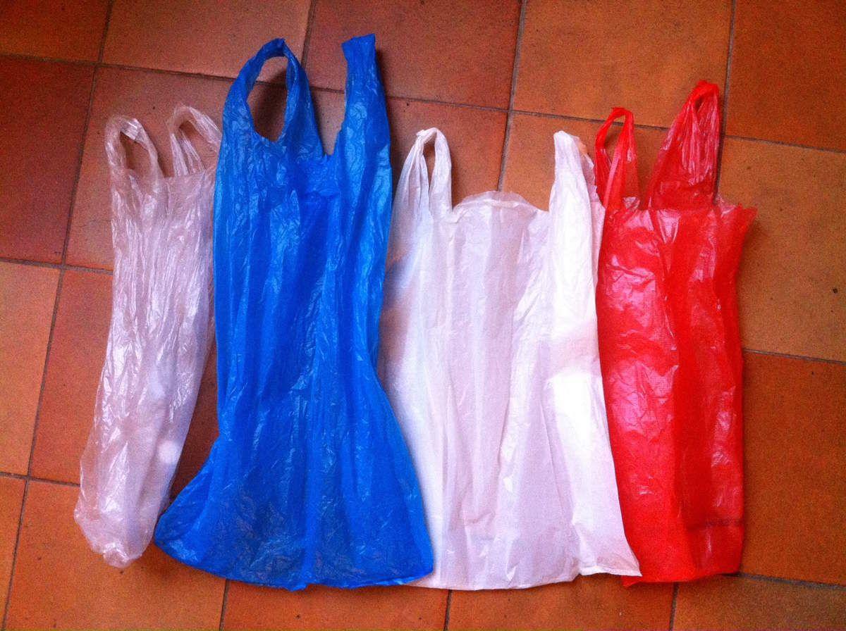 もうすぐ消えるポリ袋 Interdiction des sacs plastiques