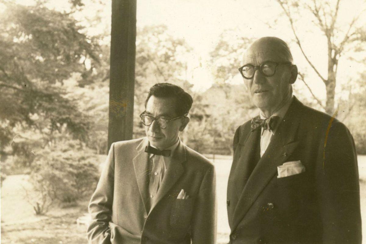 Sakakura et Le Corbusier à la Villa Katsura, Kyoto ©Agence nationale japonaise des affaires culturelles