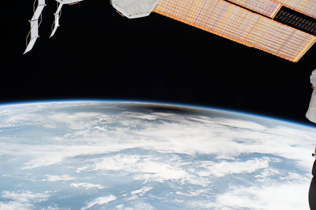NASA - Total solar eclipse - seen from ISS - International Space Station - Expedition 52 - iss052e056222 - éclipse solaire vue depuis la station spatiale internationale