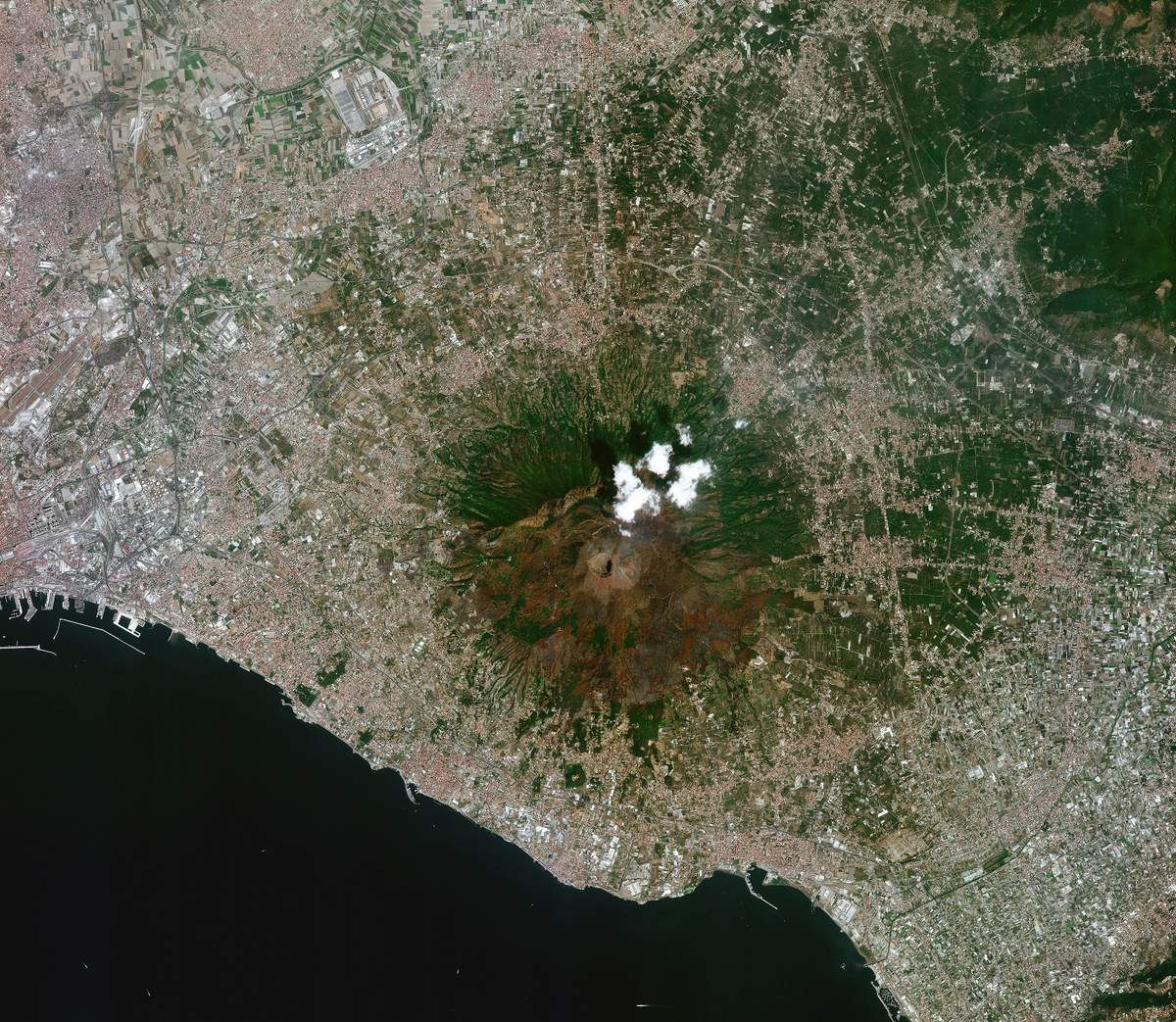 Venµs - Venus - Premières images - first images - satellite - Earth observation - Vesuve - Naples - Pompéi - Volcan - Italie - CNES