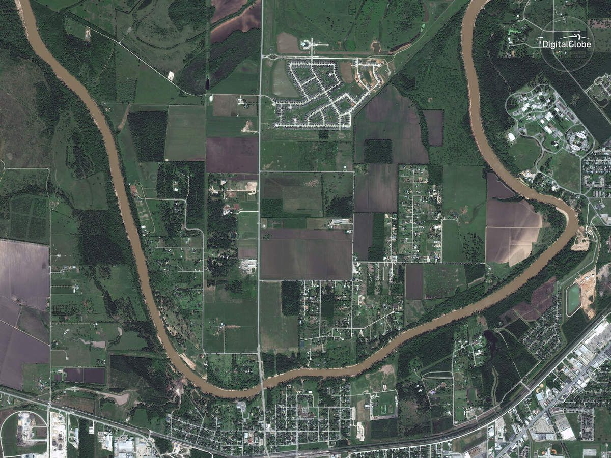 Harvey - Inondations - Floods - Texas - Digital Globe - satellite - Digital Globe - Rosenberg - Houston - Before-After - Avant-Après