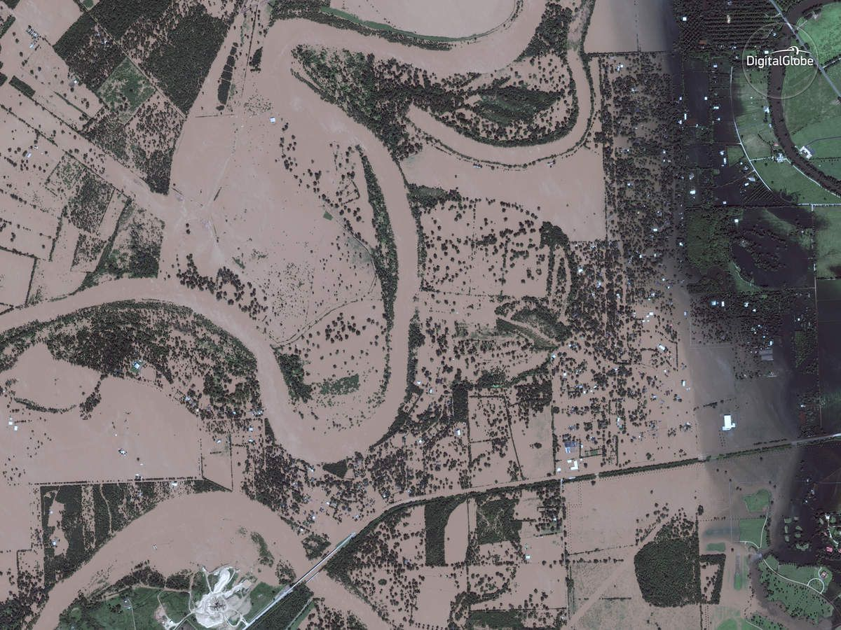 Harvey - Inondations - Floods - Texas - Digital Globe - satellite - Digital Globe - Simonton - Houston - Before-After - Avant-Après