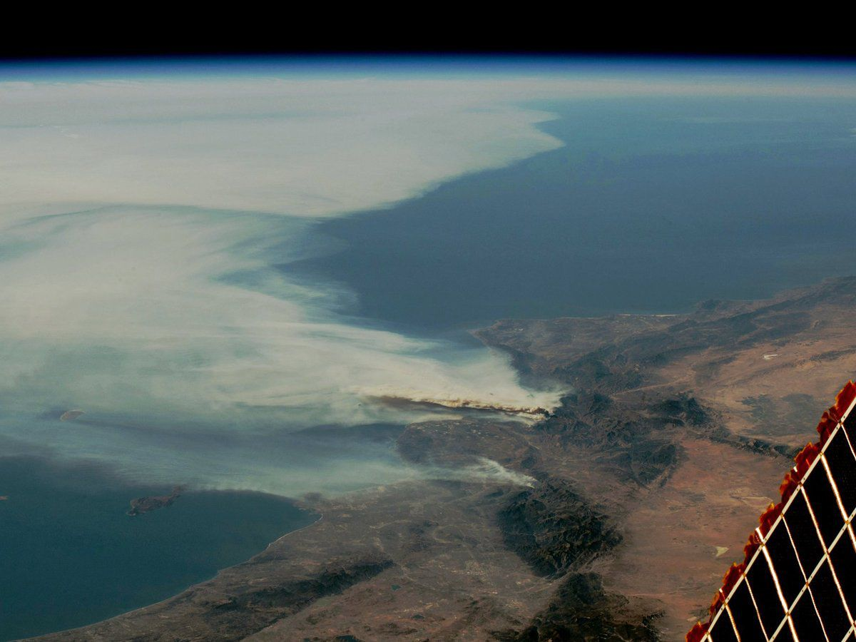California Fires - Feux - Incendies - Californie - December 2017 - Seen from space - ISS - International Space Station - ISS053E315812 - Randy Bresnik - NASA