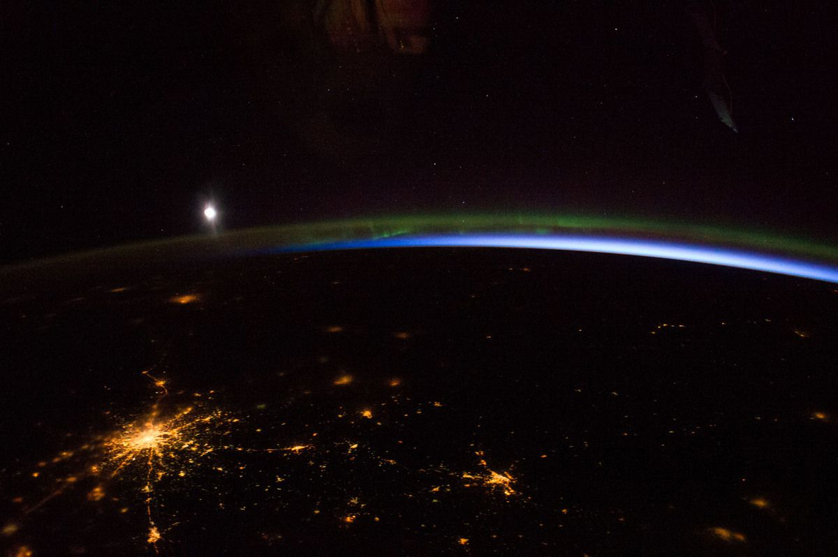 Moscou - ISS - Aurore boréale - By night - City lights - Moscow - Expedition 39