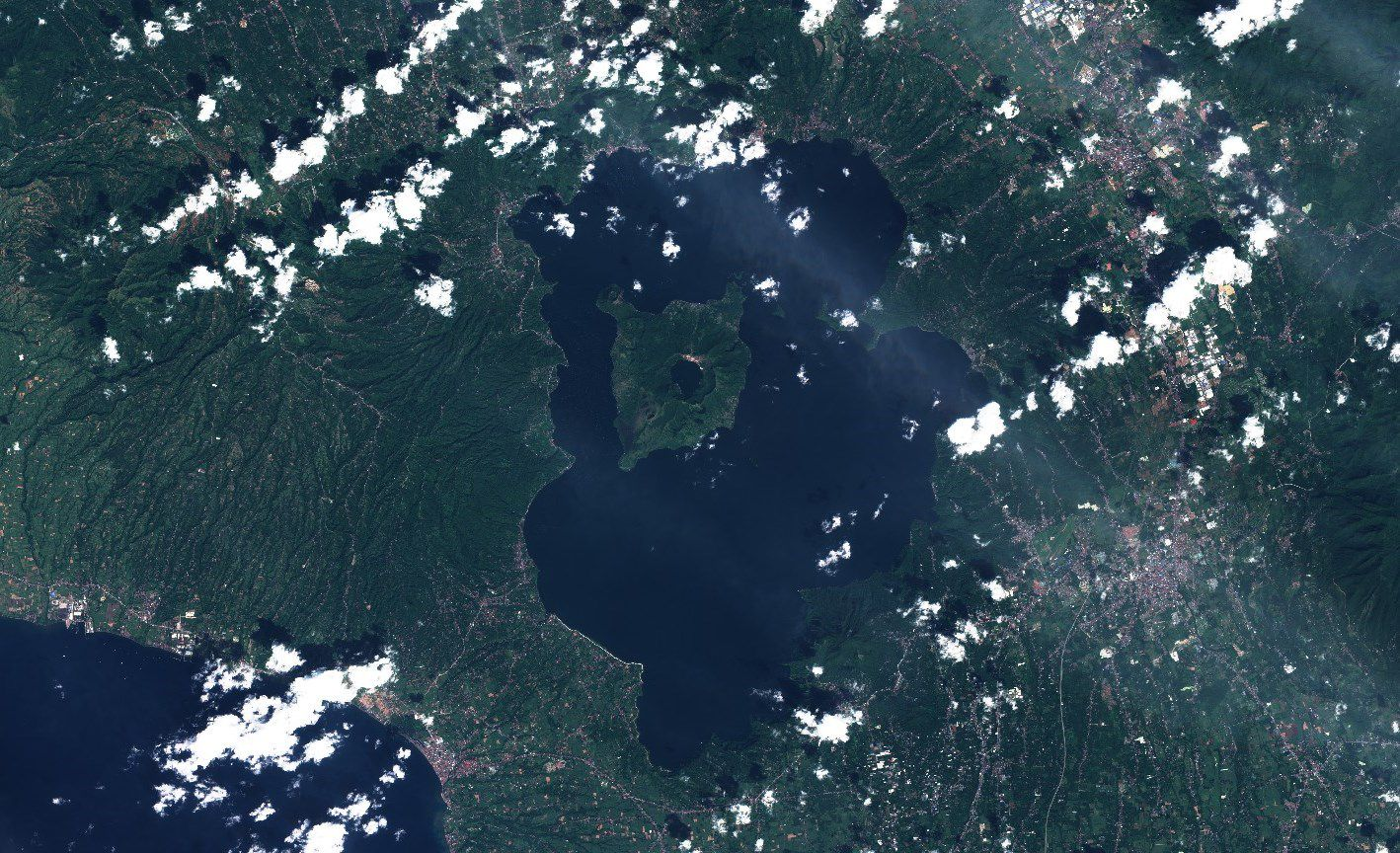 Volcan Taal - Philippines - Volcano Island - Geography Sentinel-2 - Copernicus - Eruption - satellite