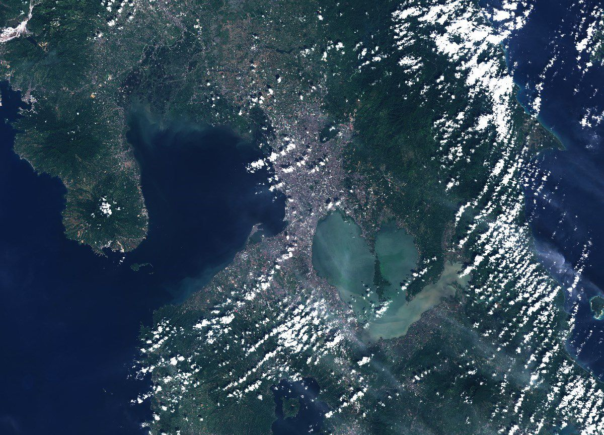 Volcan Taal - Philippines - Manille - Quezon City - Population - Volcano Island - Sentinel-2 - Copernicus - Eruption - satellite