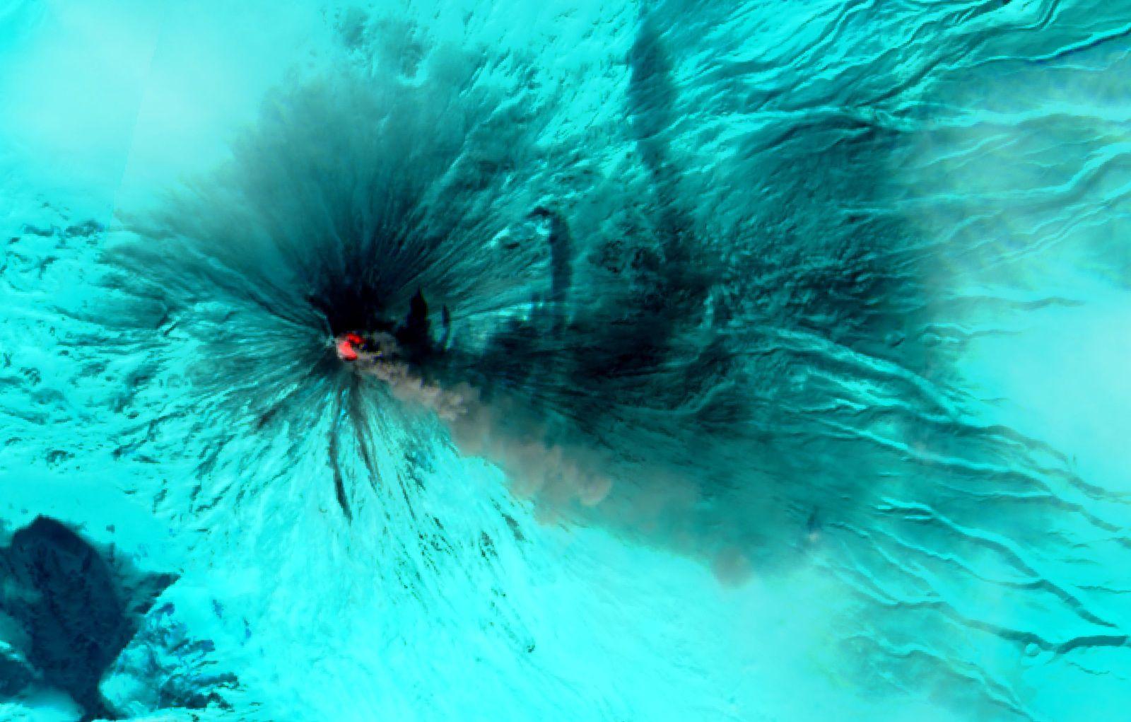 Péninsule du Kamtchatka - Volcan Klioutchevskoï - Klioutchevskaïa Sopka - Russie - Eruption Mars 2020 - Sentinel-2 - Copernicus - ESA - Commission européenne - Volcano