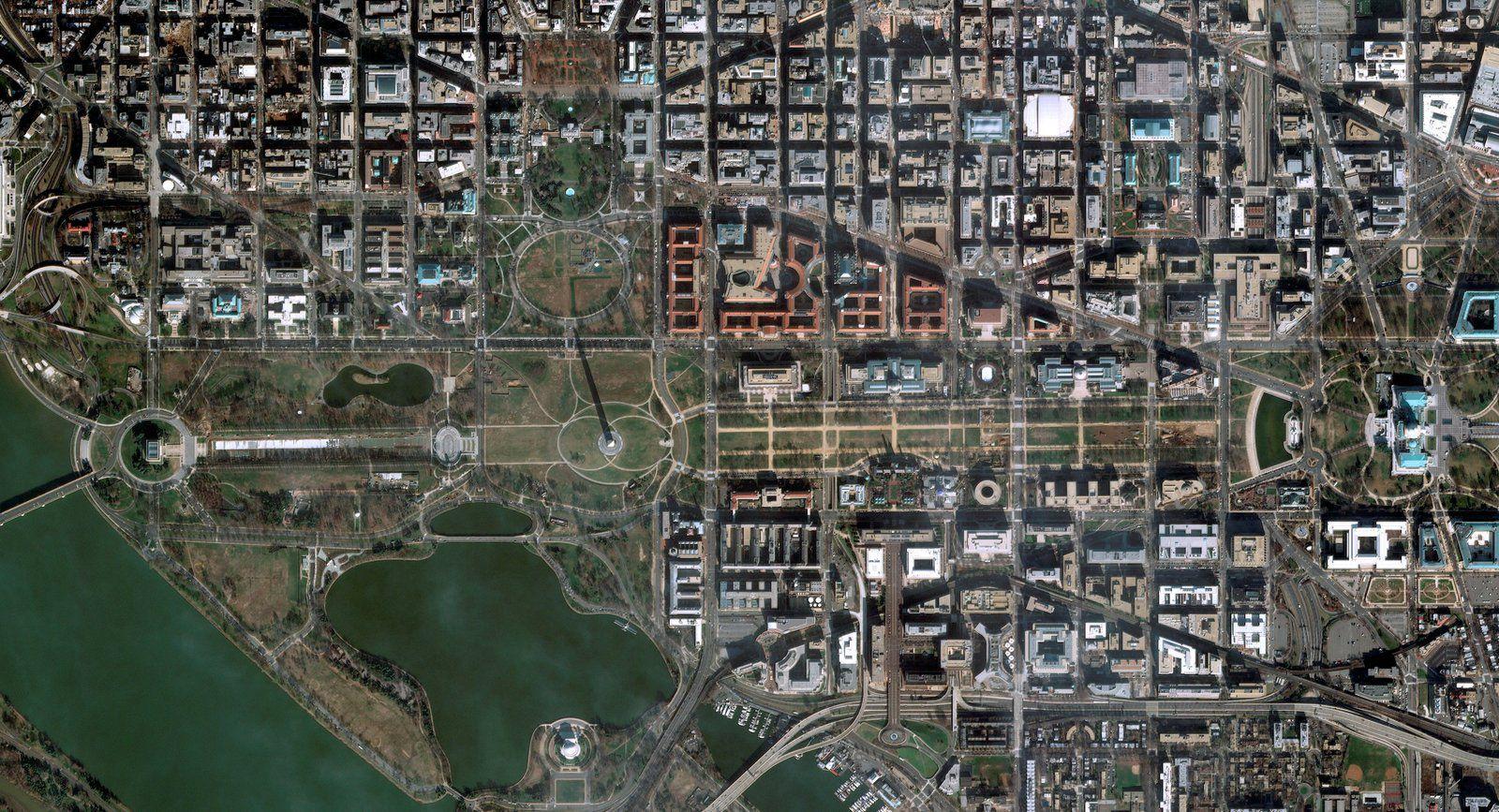 Quiz image - Juin 2020 - Solstice d'été - Rentrée scolaire - satellite Pléiades - Washington DC - Washington monument - Cadran solaire - Ombre portée - Le jour le plus long - Maison blanche - The Mall - Capitol Hill - White House - Trump - Triangle fédéral - National Air and Space Museum