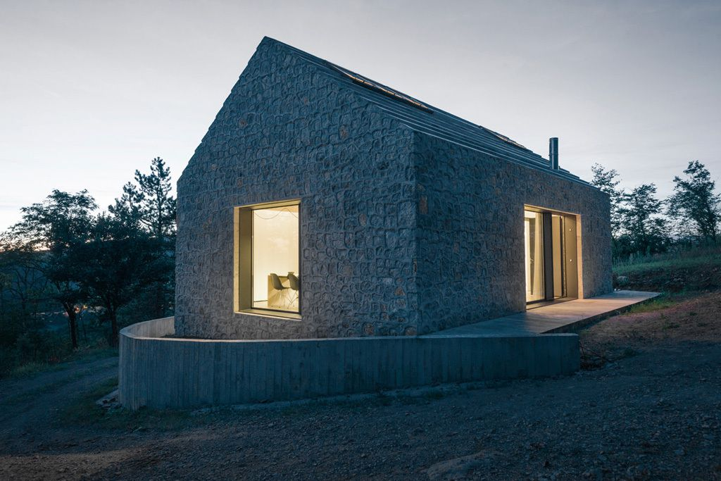 COMPACT KARST HOUSE  by DEKLEVA GREGORIC ARCHITECTS / SLOVENIA