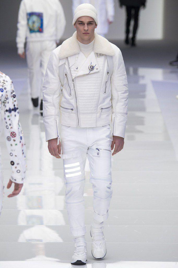 Versace fall/winter 2016 menswear.