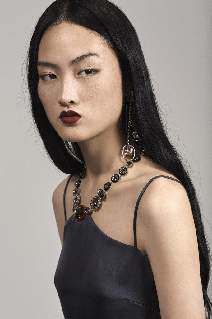 (c) Christian Dior