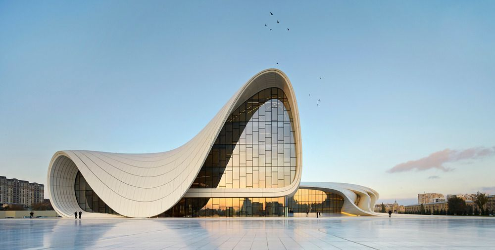 Heydar Aliyev Center, Baku by Zaha Hadid : photo (c) Hufton+Crow