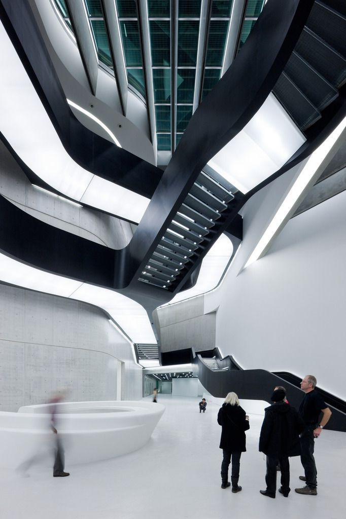 MAXXI Museum of XXI Century Art, Rome by Zaha Hadid : photo (c)  Iwan Baan