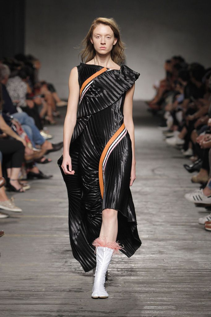 Alves Gonçalves ss18 @PortugalFashion