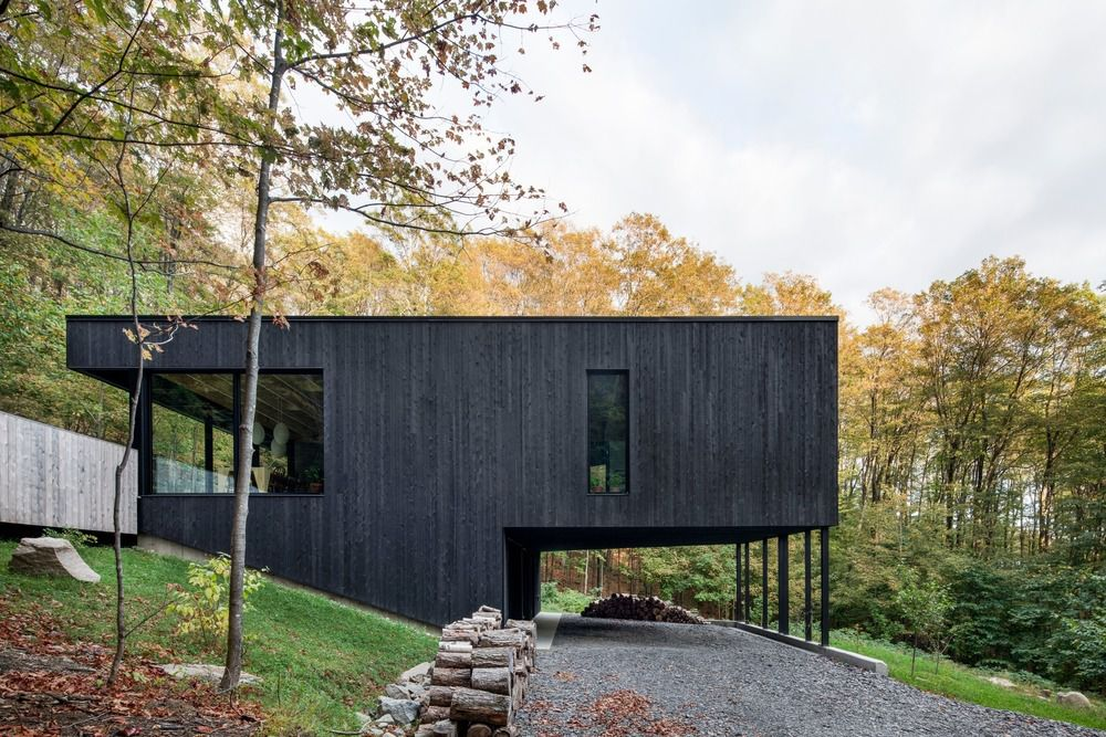ATELIER GENERAL ARCHITECTURE PROPOSES A REFUGE 'THE ROCK' IMMERSED IN A MAPLE FOREST IN CANADA