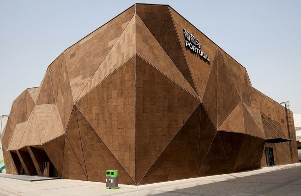 Architecture: Portuguese pavillon in Expo 2010 Shanghai with expanded insulation cork exterior facade.