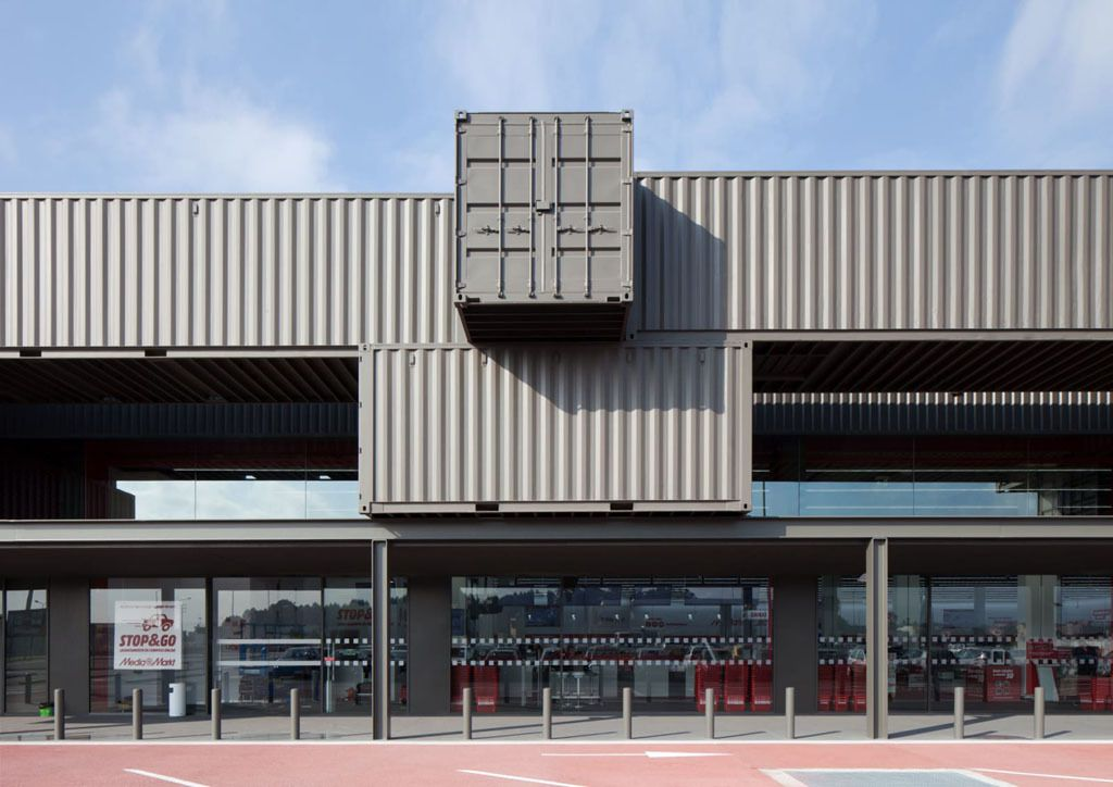 MATOSINHOS RETAIL PARK NEAR OPORTO BY PROMONTORIO ARCHITECTS