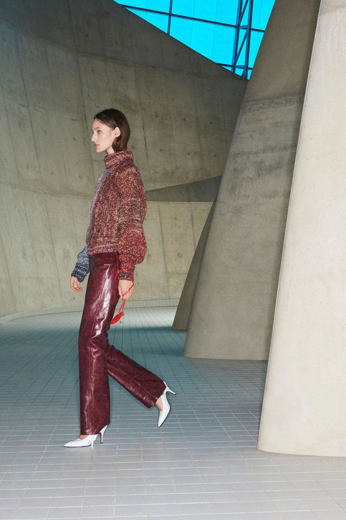 VICTORIA BECKHAM PRE-FALL 2018 WOMENSWEAR COLLECTION