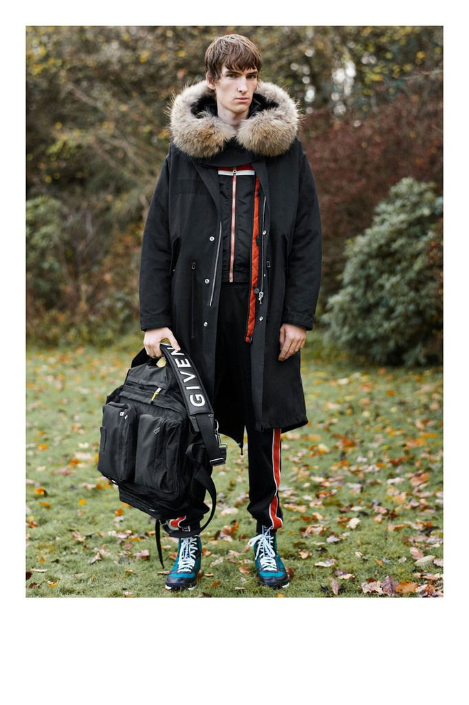 GIVENCHY PRE-FALL 2018 COLLECTION LOOKBOOK