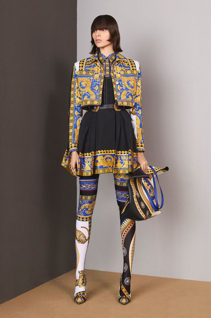 VERSACE PRE-FALL 2018 WOMENSWEAR COLLECTION
