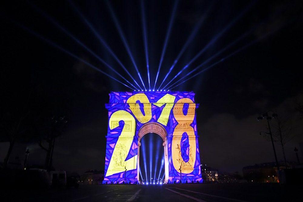 BONNE ANNÉE / HAPPY NEW YEAR / BOM ANO NOVO / FELIZ AÑO NUEVO 2018