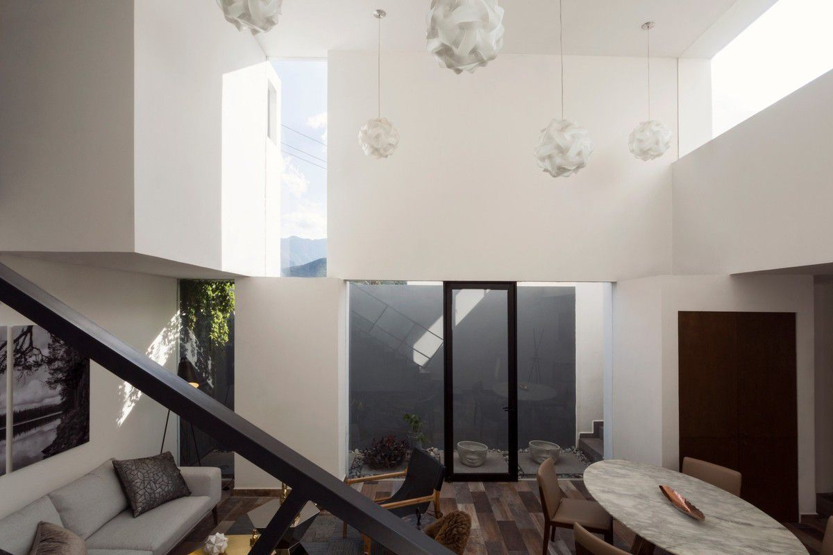 HOUSE OF THE WEEK / CLOUD HOUSE IN MONTERREY MEXICO BY ARQUIDROMO ARCHITECTURE