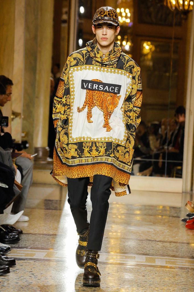 VERSACE FALL WINTER 2018 MENSWEAR COLLECTION MFW