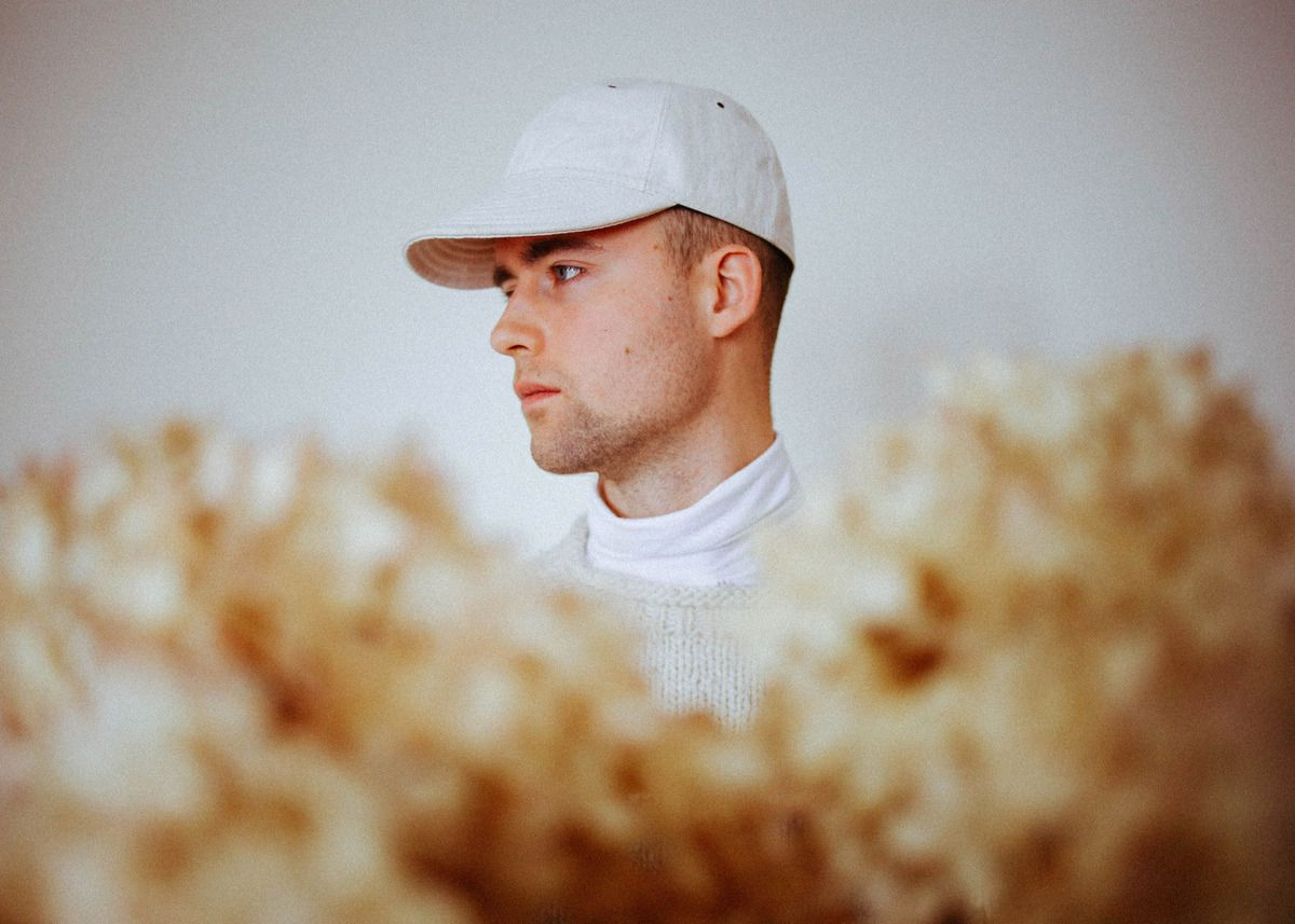 HAUX SHARES SPARSE, ICY NEW SINGLE + VIDEO 'HEARTBEAT' AND ANNOUNCES SOPHOMORE EP