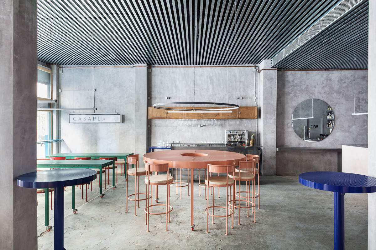 LUCAS Y HERNANDEZ GIL ARCHITECTS DESIGNED THE CASAPLATA RESTAURANT IN SEVILLA SPAIN