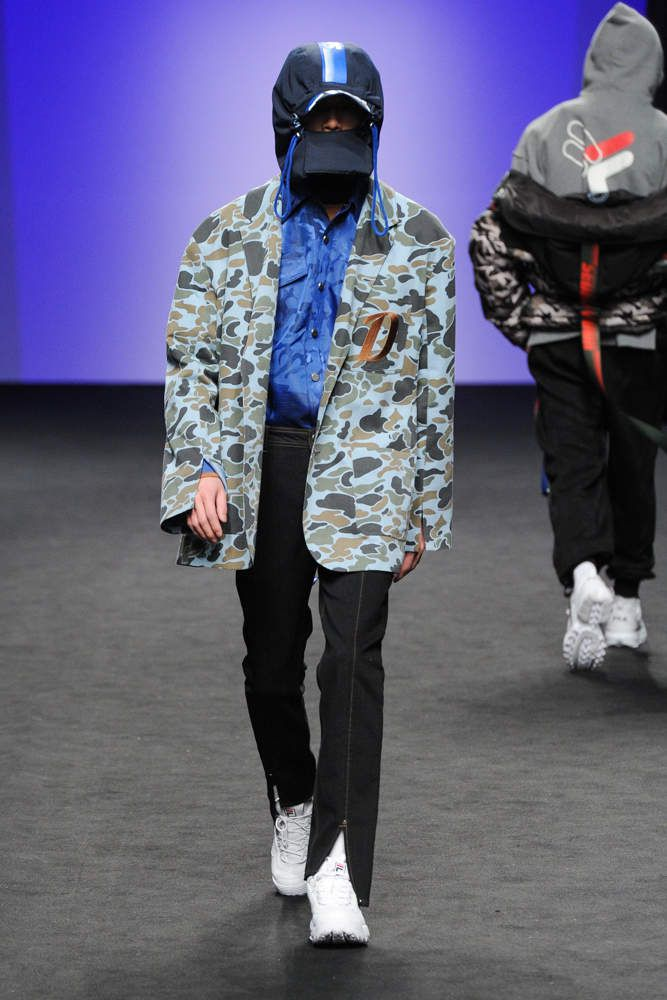 D-ANTIDOTE 디-앤티도트  FALL WINTER 2018 19 COLLECTION / SEOUL FASHION WEEK