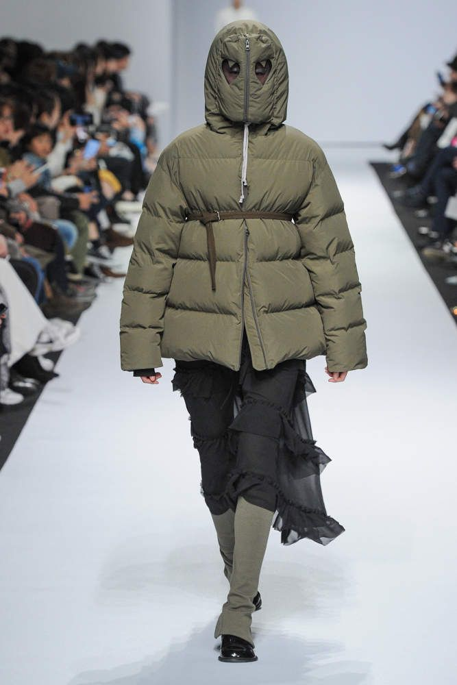 KIOK 키옥 FALL WINTER 2018 19 COLLECTION / SEOUL FASHION WEEK