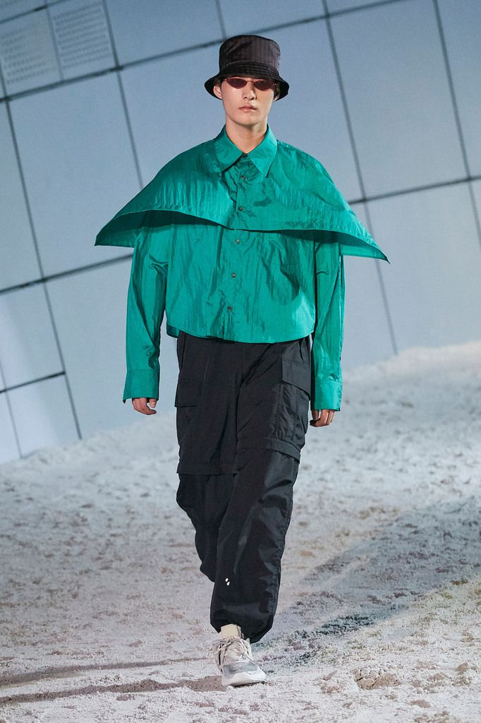 SOLID HOMME OPENS SFW WITH 30TH ANNIVERSARY SHOW ON ROOF OF ZAHA HADID'S DDP WITH SS19 COLLECTION