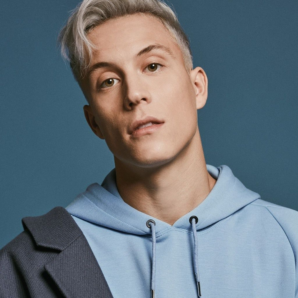 LOIC NOTTET NEW MUSIC VIDEO 'ON FIRE'