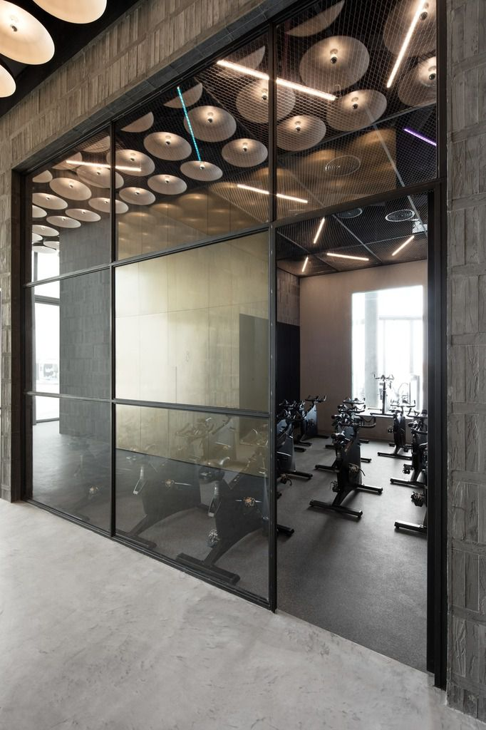 DISCOVER THE WAREHOUSE GYM D3 DESIGNED BY VSHD DESIGN IN THE DUBAI DESIGN DISTRICT,  UNITED ARAB EMIRATES