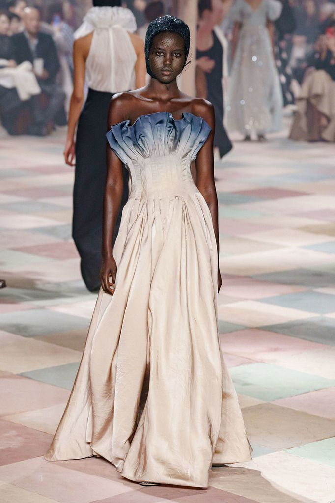 CHRISTIAN DIOR SPRING 2019 COUTURE PFW