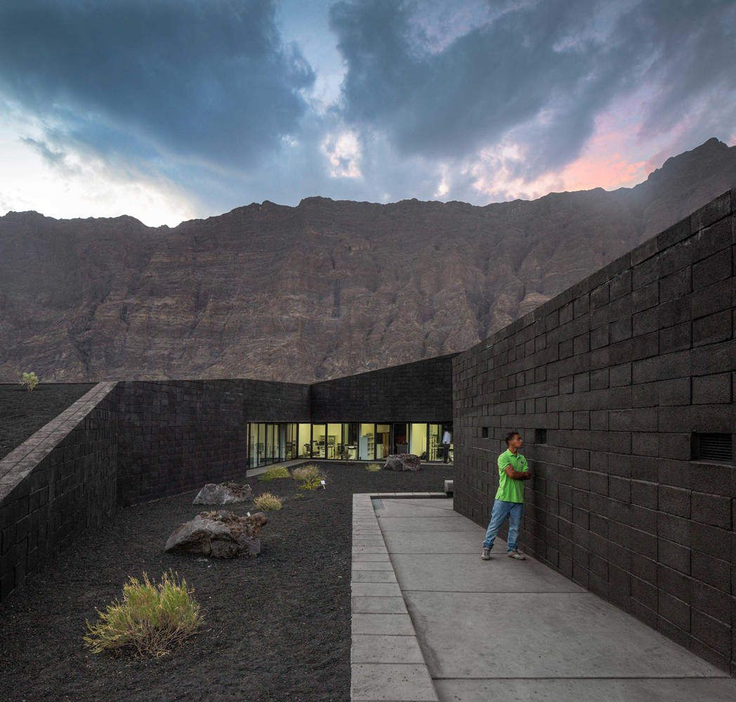 FOGO NATURAL PARK BUILDING IN CAPE VERDE  BY OTO ARQUITECTOS