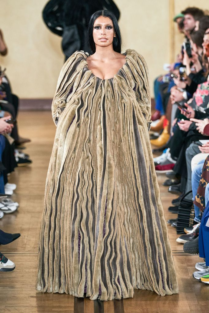 Y/PROJECT FALL WINTER 2019/20 WOMENSWEAR AT PFW