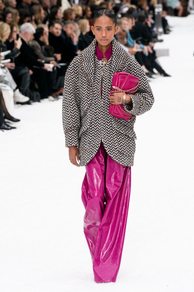 KARL LAGERFELD LATEST COLLECTION / CHANEL AUTUMN WINTER 2019/2020 AT PARIS FASHION WEEK